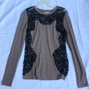 Jersey with lace trim top